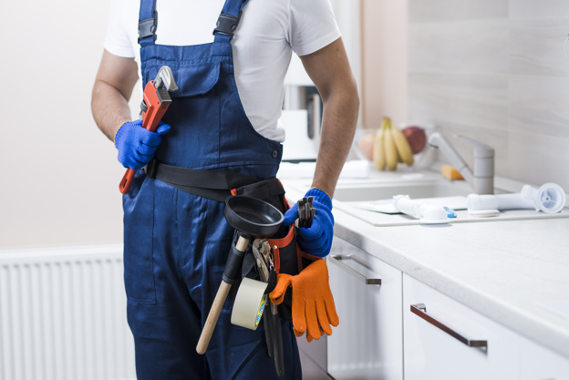 Red Flags That Indicate You Need a Plumber to Visit Your Home