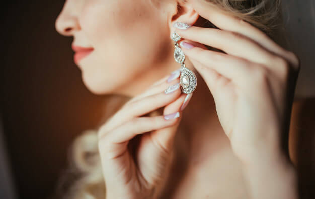 Top Tips in Buying Earrings Online