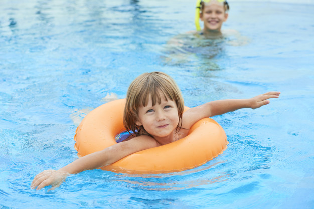 Things to Consider when Purchasing Swimming Pool Enclosures